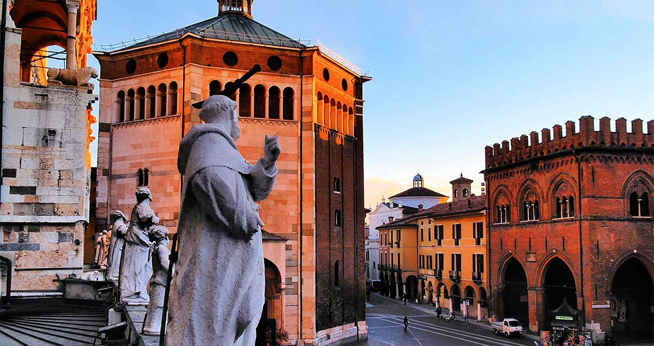 hotel in the historic center of Cremona