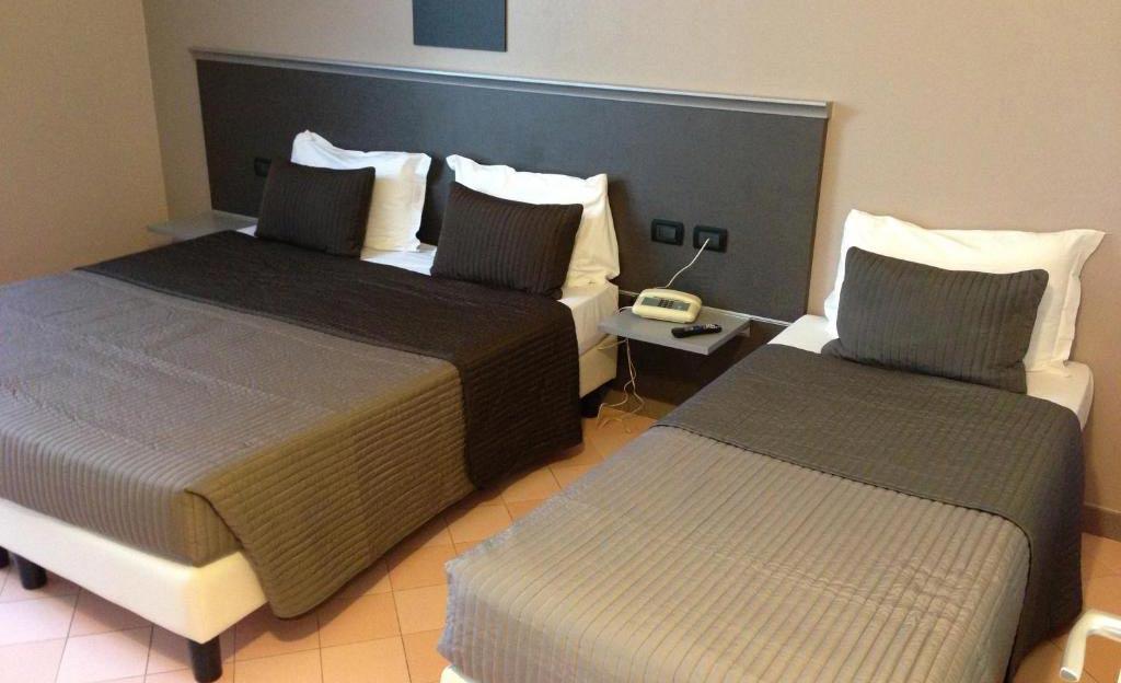 Triple Hotel Rooms